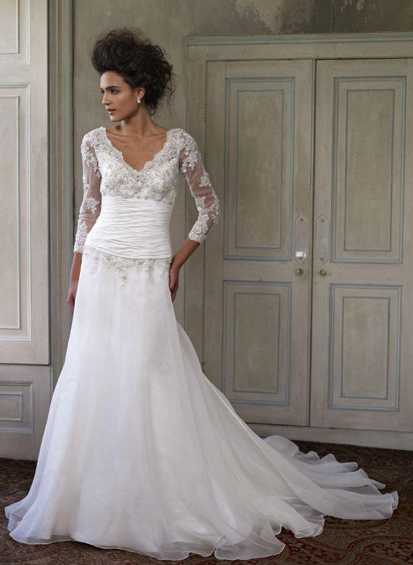 Wunderschöne Brautmode von Ian Stuart   Friedatheres.com