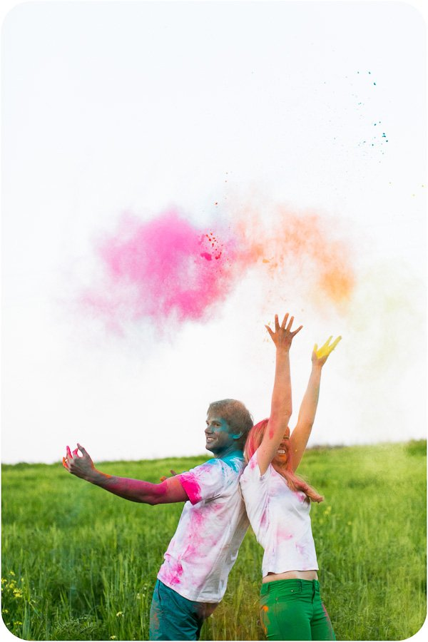 Verlobungsbilder mit Farbpuder (12)