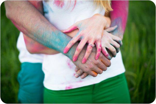 Verlobungsbilder mit Farbpuder (8)