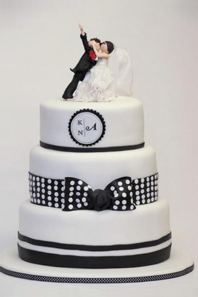 Hochzeitstorte schwarz und weiss