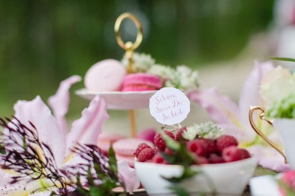 Hochzeitsdeko Federn (30)