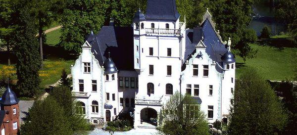 Luftaufnahme-Schloss-Tremsbuettel-Hamburg-eventlocation