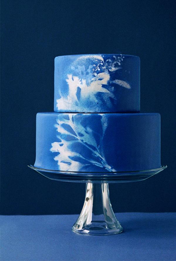 Hochzeitstorte dunkelblau