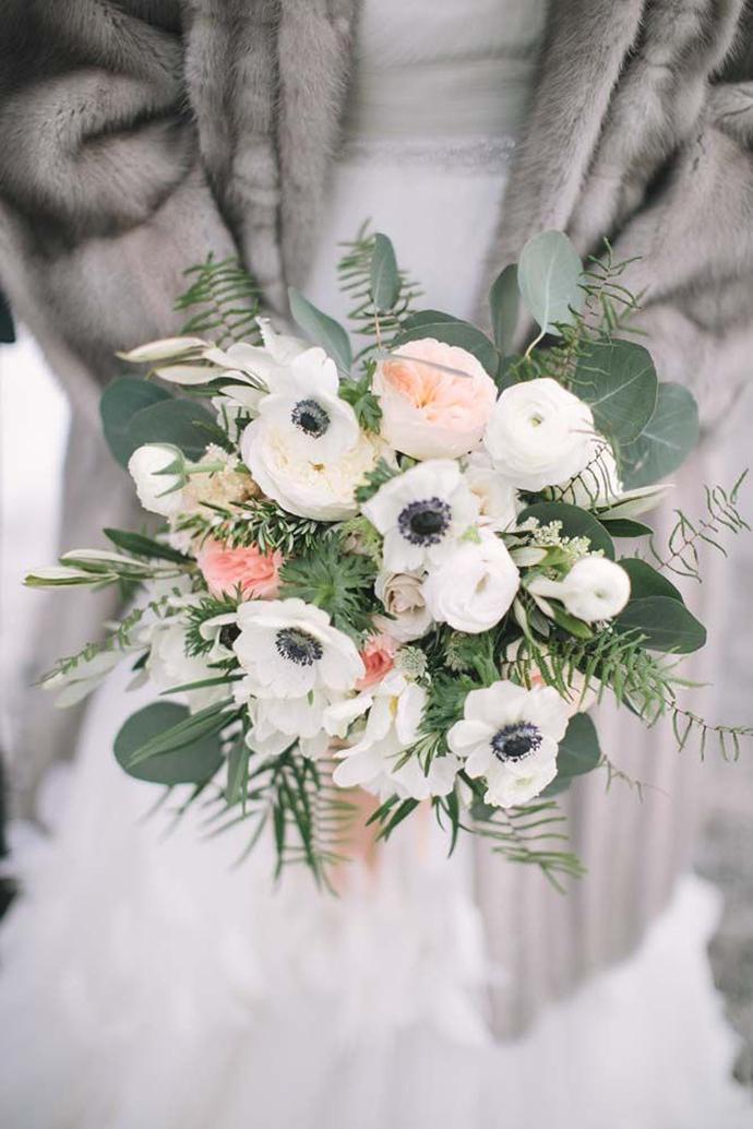 Schöne Brautsträuße mit Anemonen für die Winterhochzeit