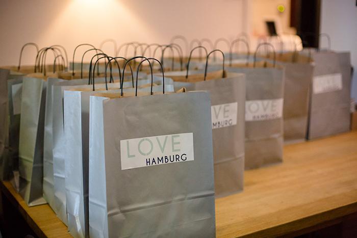 impressionen von der love hamburg. Black Bedroom Furniture Sets. Home Design Ideas