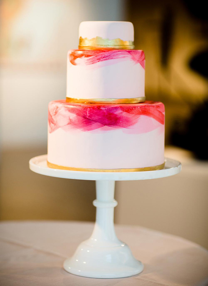 Hochzeitstorte modern pink