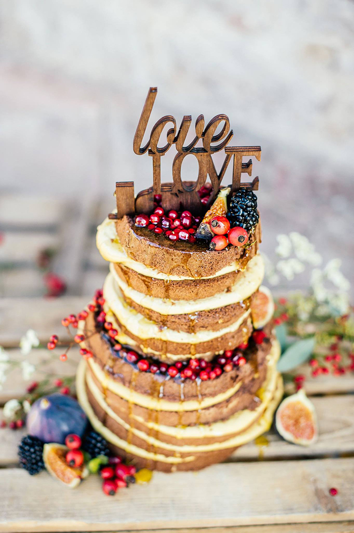 rustikaler naked cake hochzeit