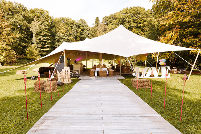 Eine Entspannte Vintage Garten Hochzeit