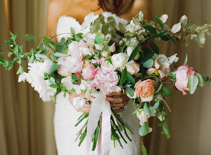 Brautstrauss gruen rosa