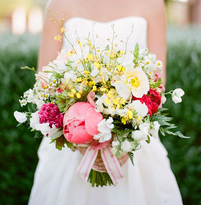 gelber Wildstrauss Braut