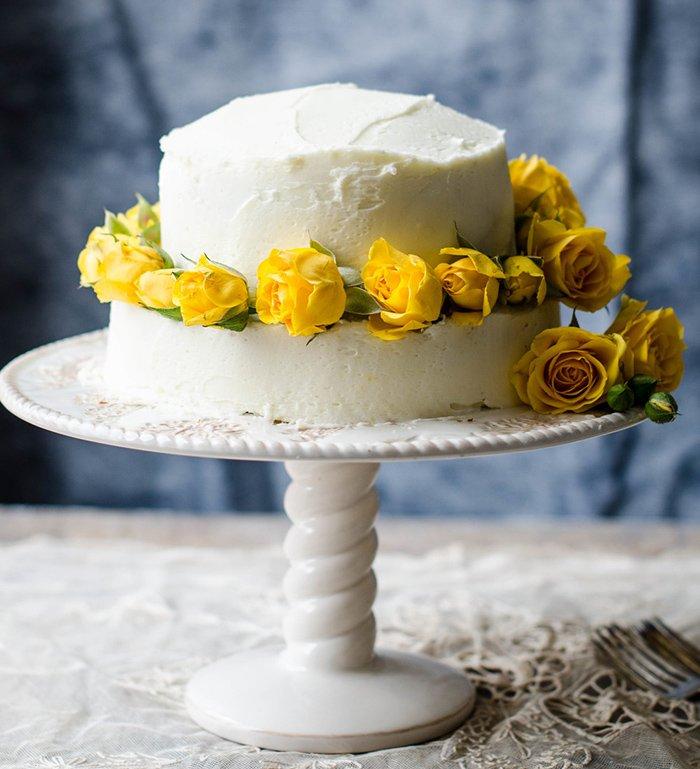Torte Hochzeit gelbe Rosen