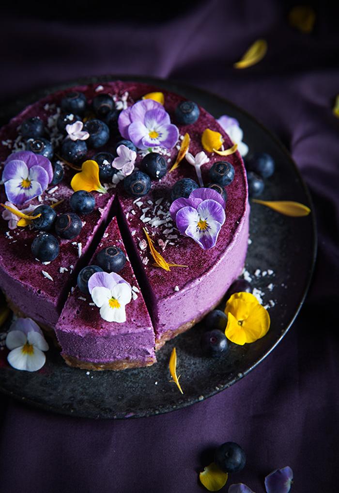 lila Torte Hochzeit