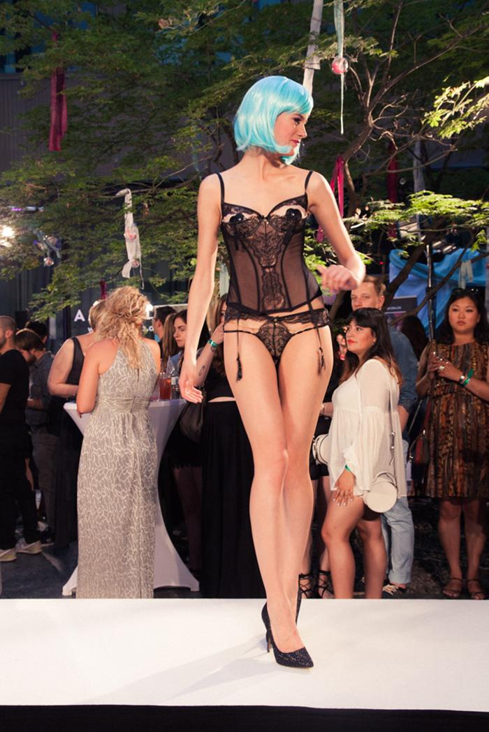 Party Luder Geiler Party Sex mit nymphomanen Frauen