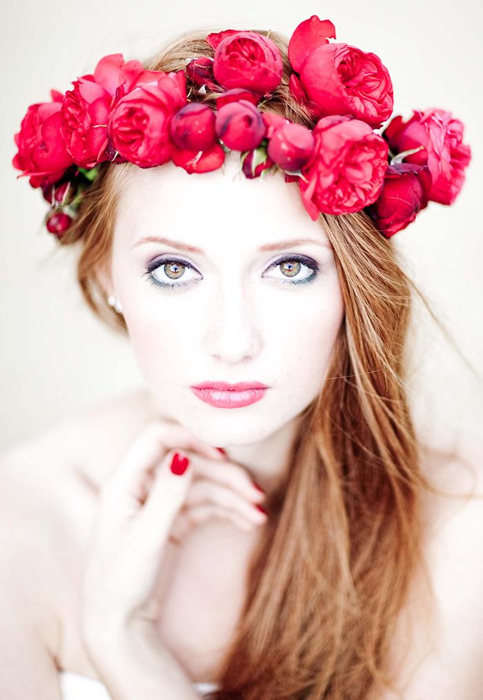 blumenkranz braut rote rosen