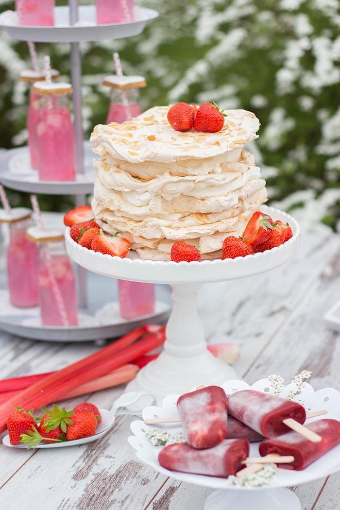hochzeitstorte erdbeer