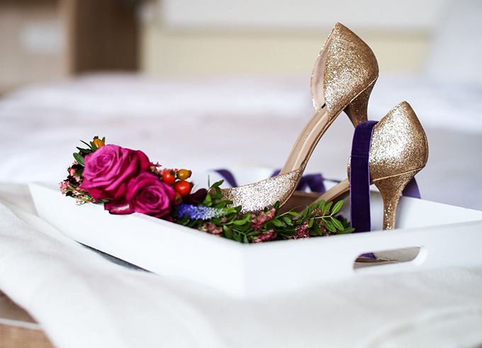 Goldene Brautschuhe