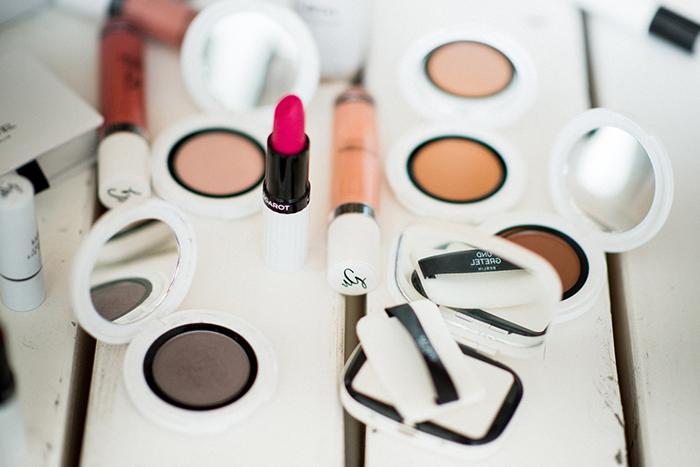 und-gretel-organic-make-up