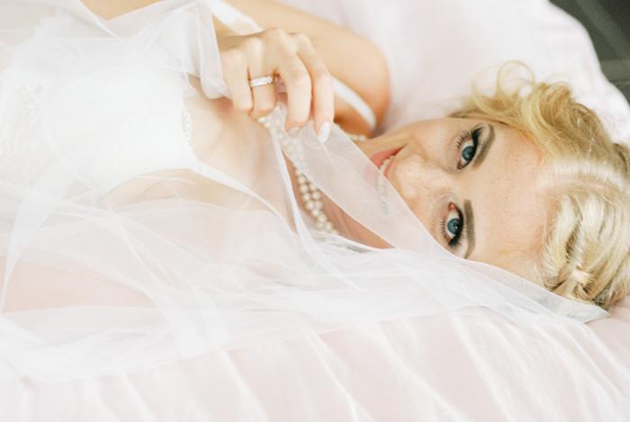 Elisa Loechel-Braut Boudoir Shoot17