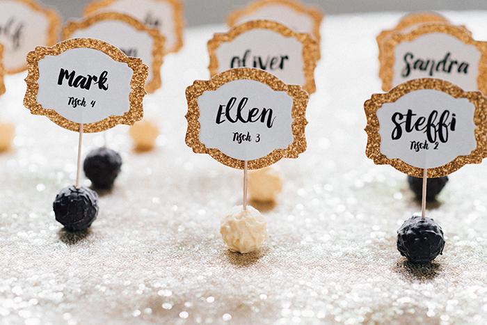 Hochzeit gold schwarze Deko (50)