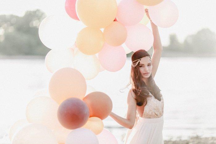 Braut mit Luftballons (4)