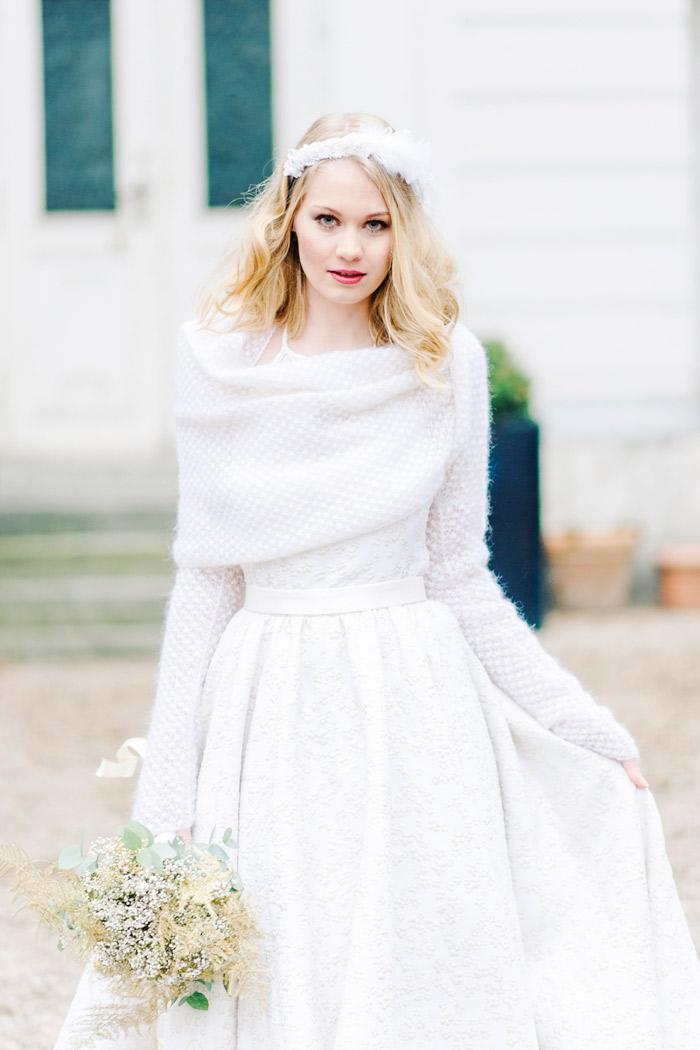 Brautkleid mit Pullover (1)