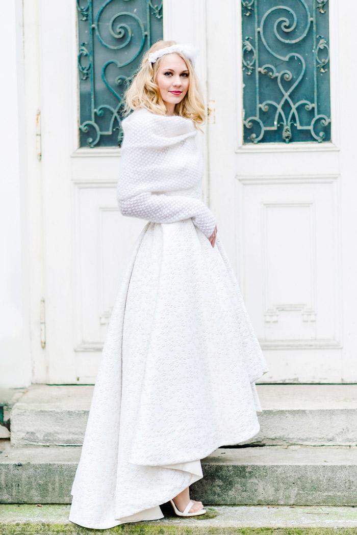 Winterhochzeit brautkleid  Brautkleid mit Strickbolero | Friedatheres.com