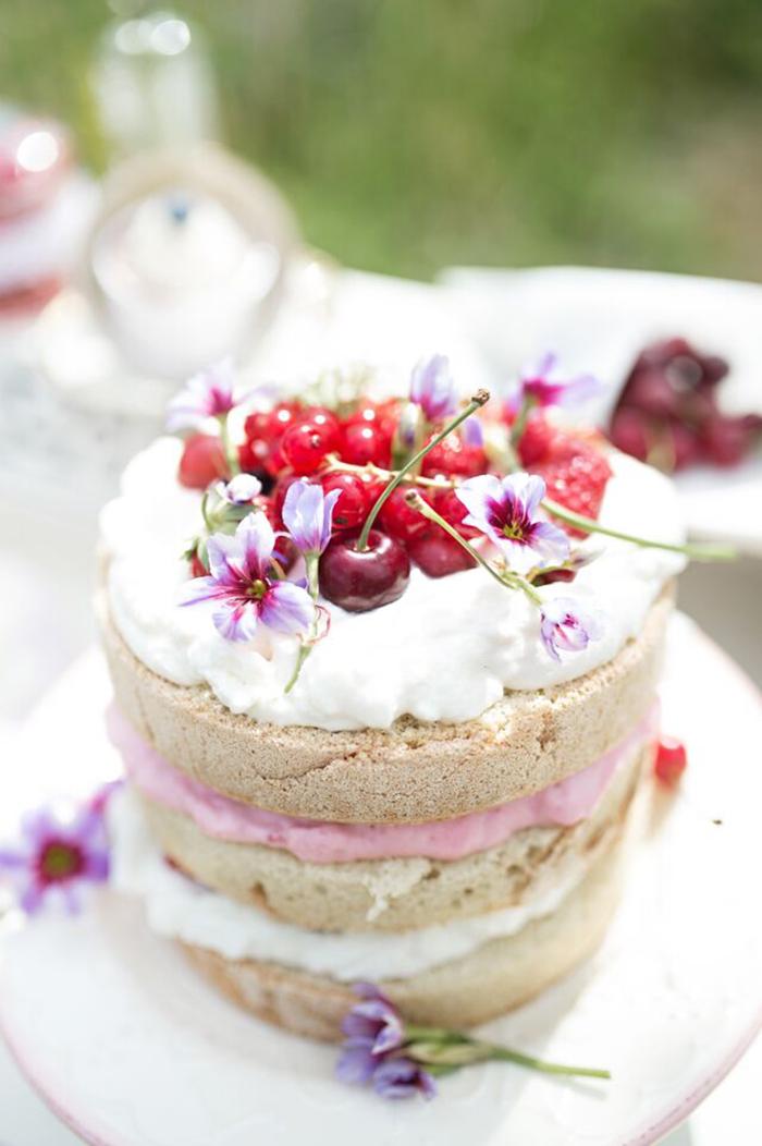 naked cake mit Kirschen