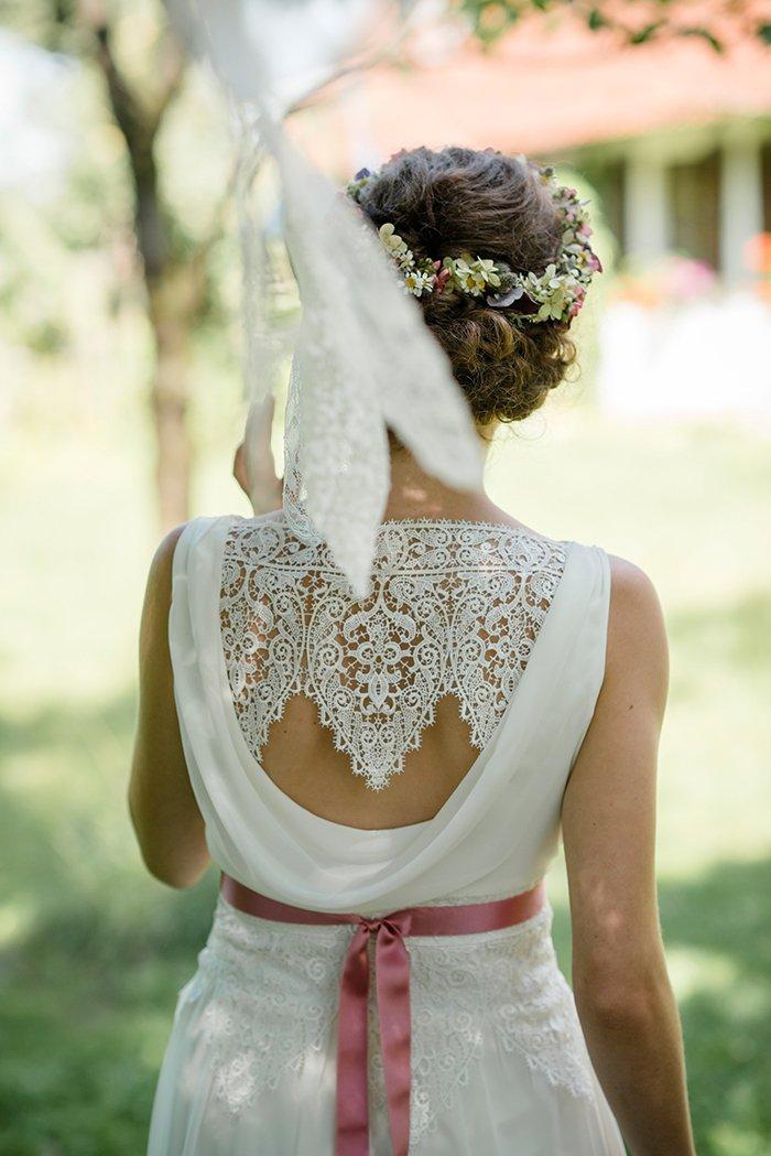 Brautkleid mit rosa Guertel (2)
