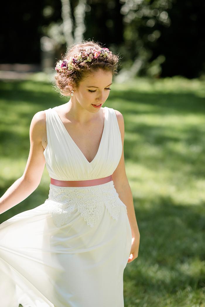 Brautkleid mit rosa Guertel (3)