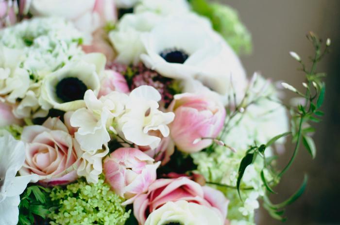 Brautstrauss Anemone und Ranunkel (1)