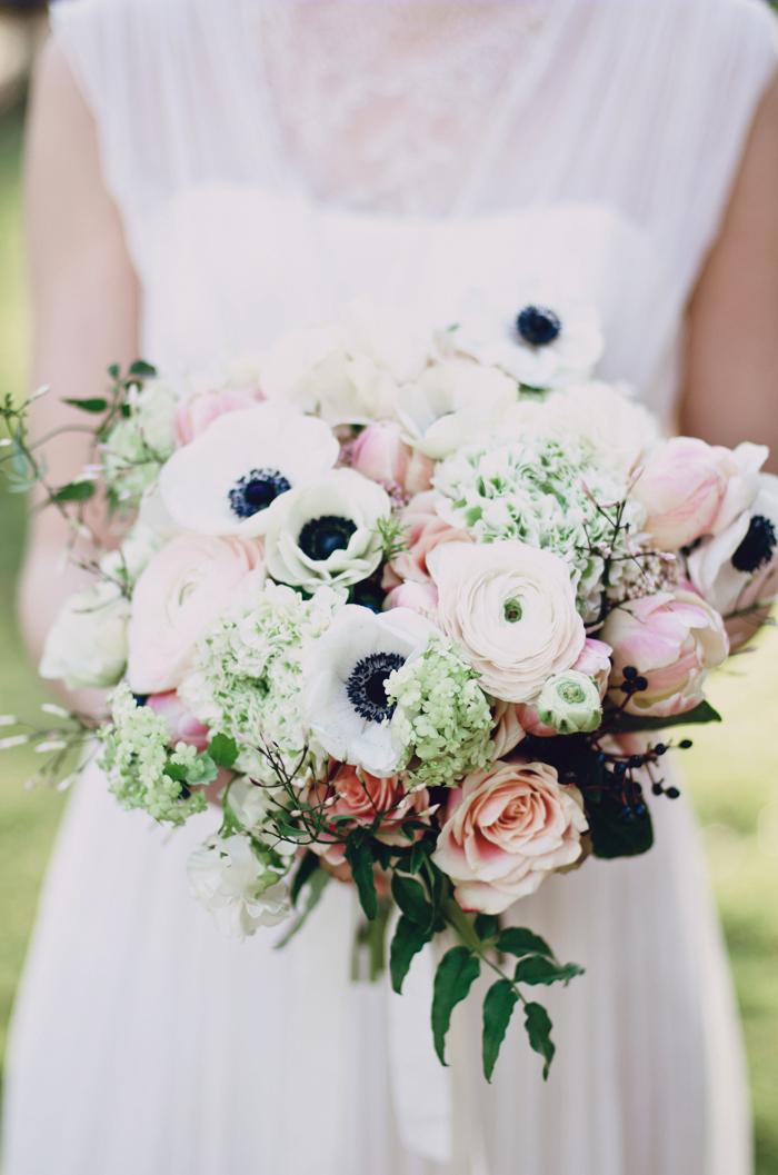 Brautstrauss Anemone und Ranunkel (2)
