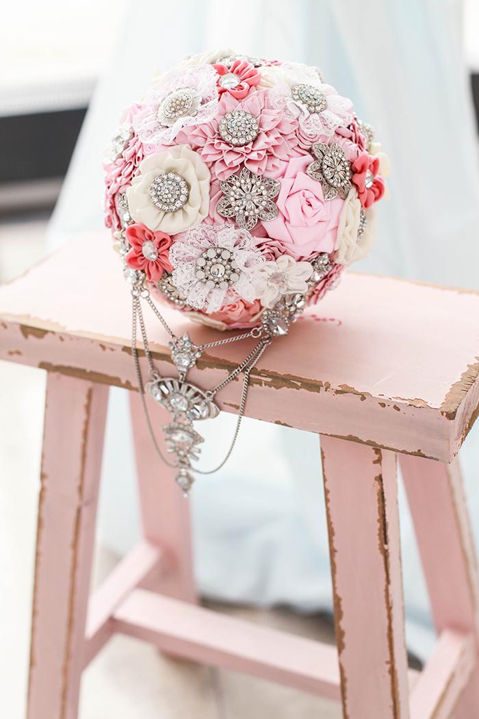 Broschenstrauss rosa