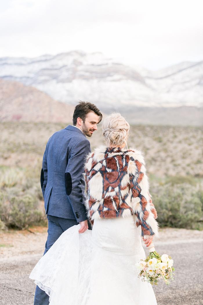 Braut mit Jacke