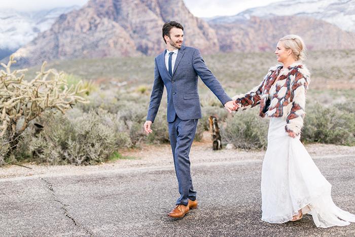Braut mit dicker Jacke