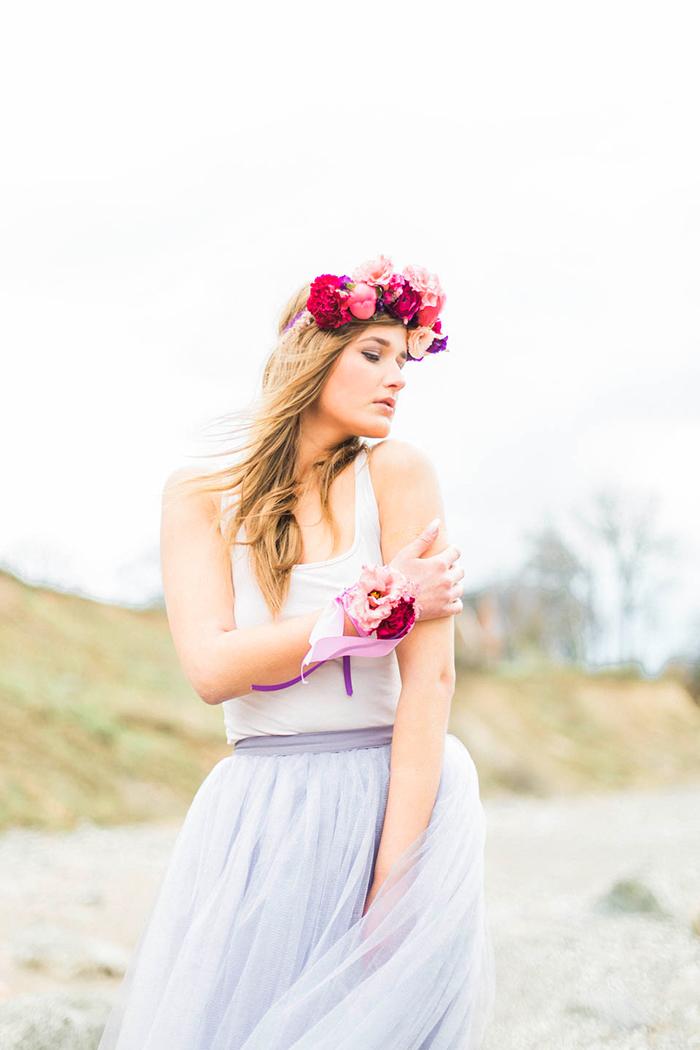 Braut mit rosa Blumenkranz (1)