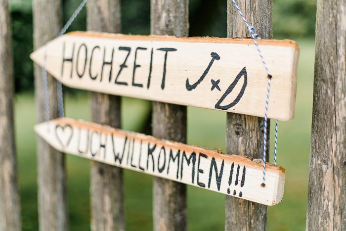Wegweiser Hochzeit aus Holz (2)
