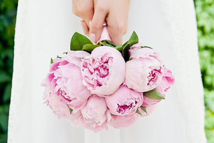 rosa Pfingstrosen Brautstrauss