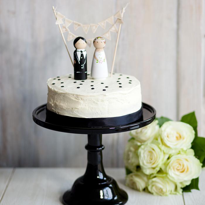 Schwarze Tortenplatte Hochzeit