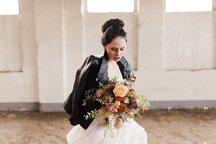 Braut mit schwarzer Lederjacke (6)