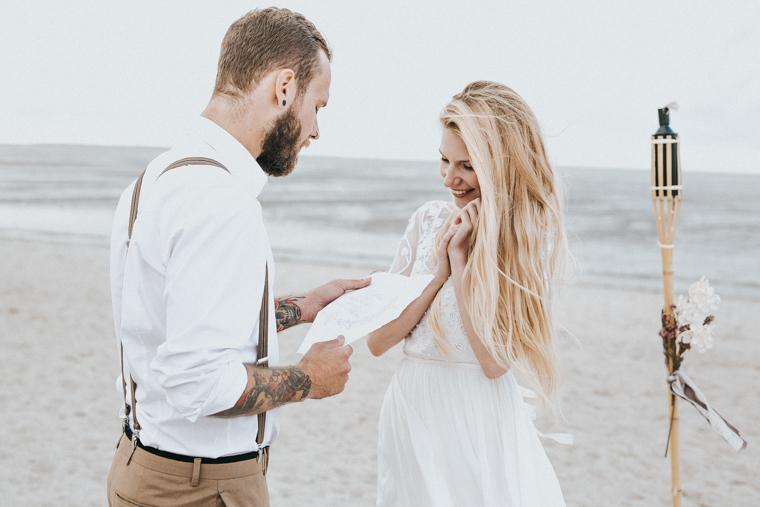 Bohemian beach wedding (4)
