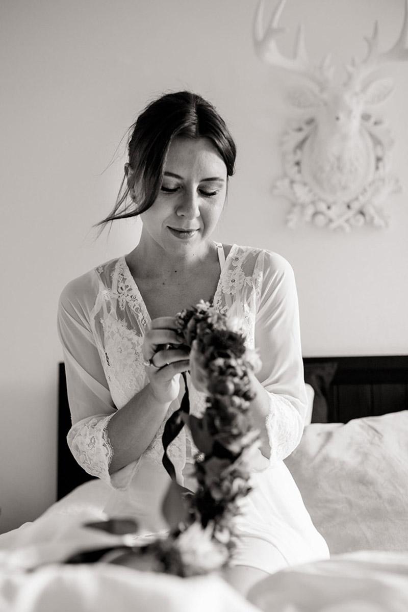 bridal-boudoir-hochzeitsgeschenk-sina-fischer-bridal-robe-lunga-hund-und-braut-14
