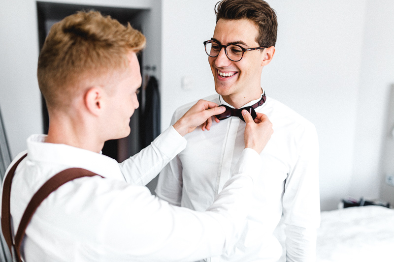 groom-getting-ready-3