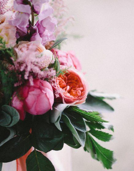 Brautstrauss mit Pfingstrosen