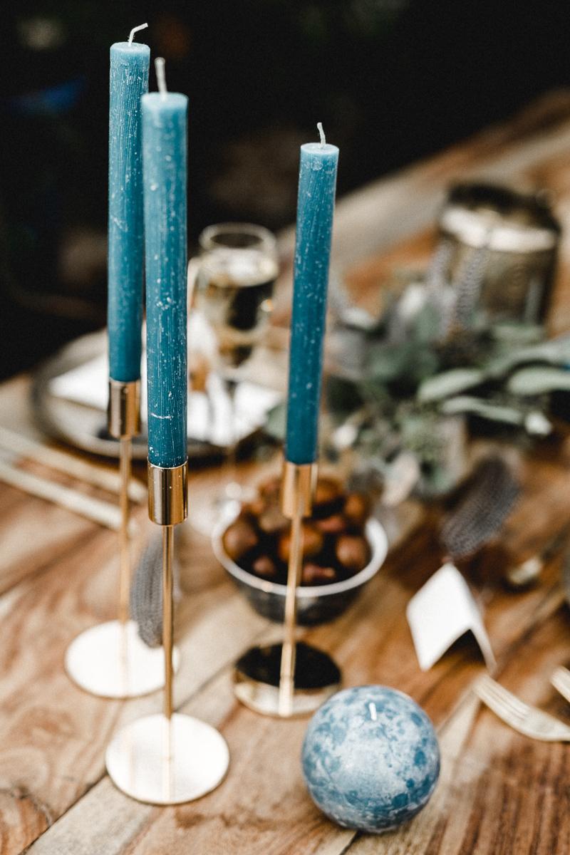 blaue-kerzen-hochzeit