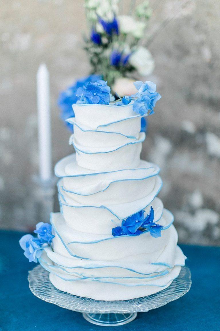 Hochzeitstorte Blau Friedatheres Com