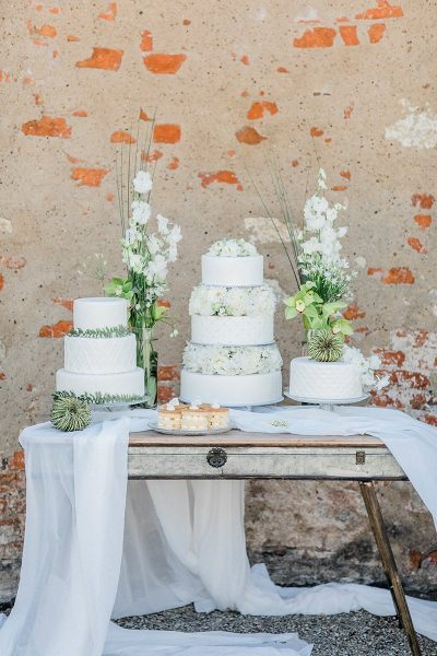 Sweet Table in Weiss und Grün