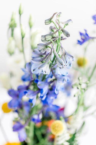Bunte Blumen für die Hochzeit