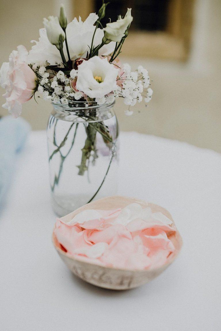 Moderne alm hochzeit for Hochzeitsdeko rosa
