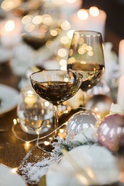 Winterliche Hochzeitsinspiration in Roségold