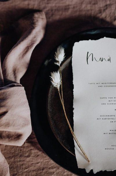 Hochzeitsinspiration in Blush & Schwarz